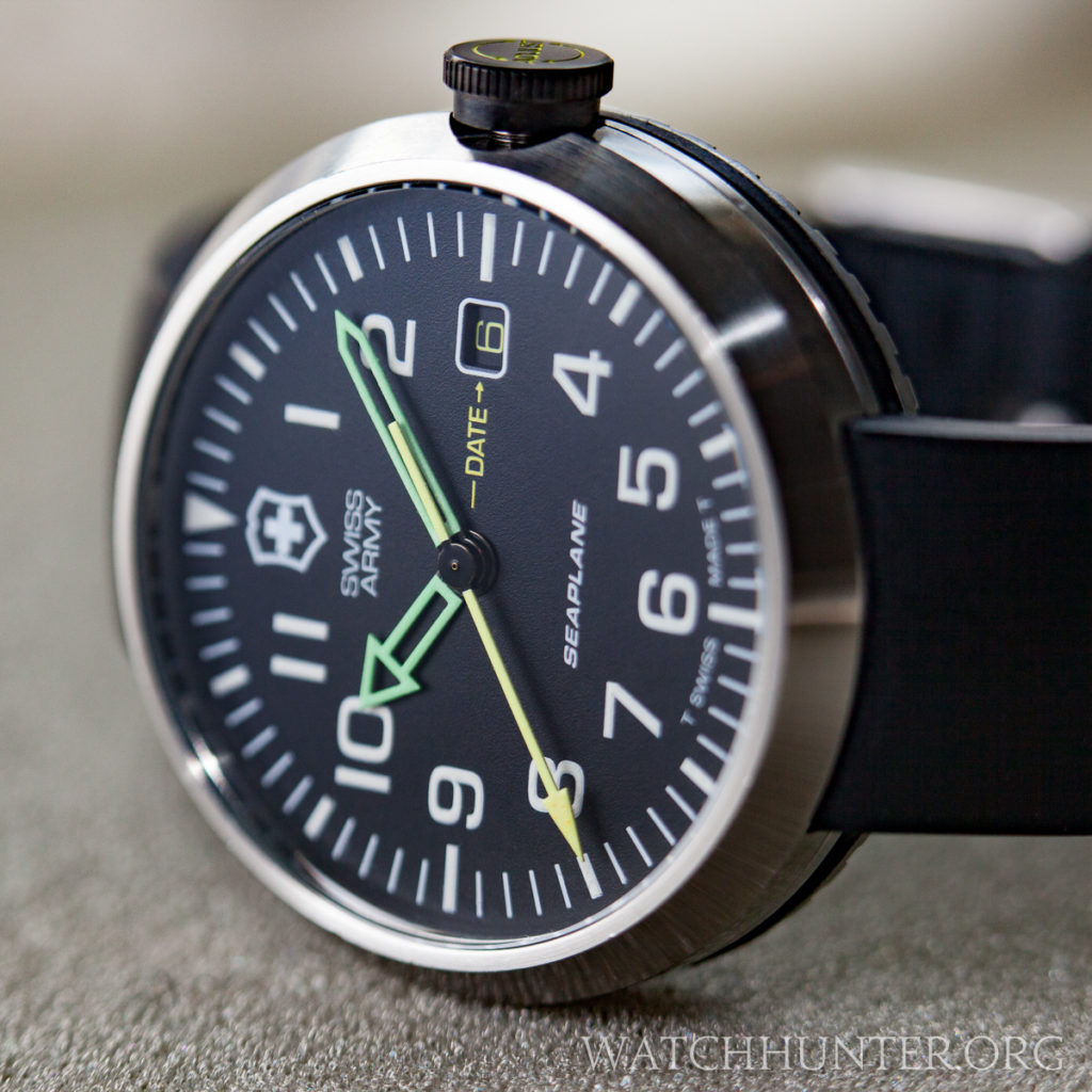 The earliest Swiss Army SeaPlane watches had a flat dial printed with Tritium markers and neon hands