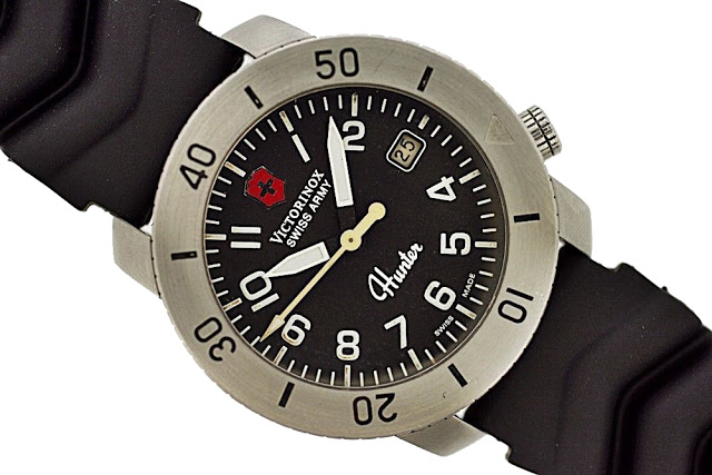 A curious creation found on eBay... it is not a real Swiss Army Hunter watch