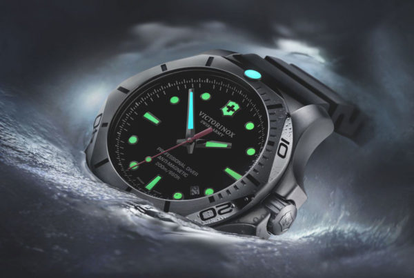 Victorinox Swiss Army I.N.O.X. Professional Dive Watch with 2-tone lume. Photo: Victorinox