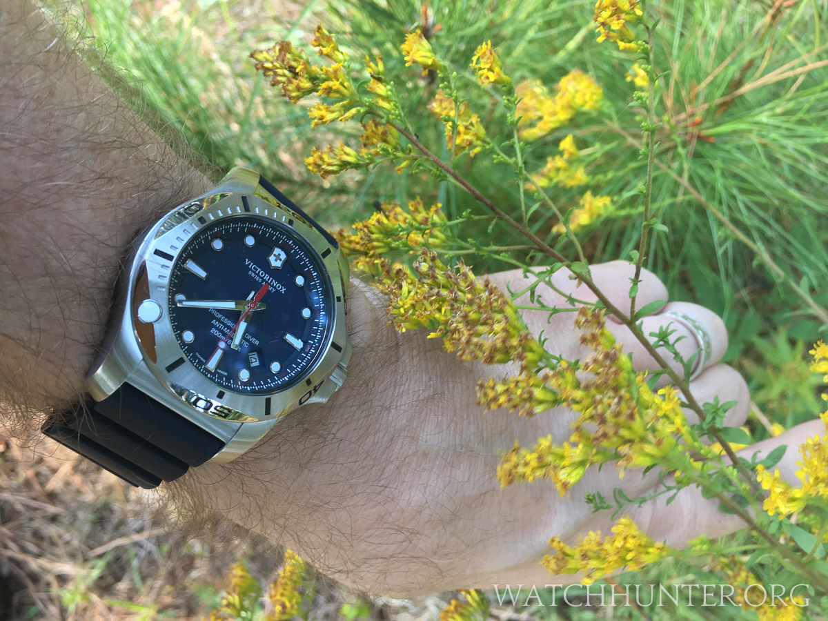 Meet The Watch Victorinox Swiss Army I N O X Professional
